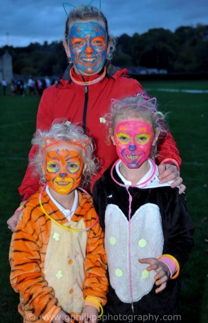 Bradford on Avon Glow Run 2018 organised by Westview Day Nursery. Photo by www.gphillipsphotography.com